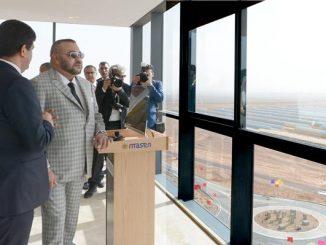 الملك محمد السادس يزور محطتي نور 2 و 3 ويعطي انطلاقة أشغال انجاز محطة نور ورزازات 4