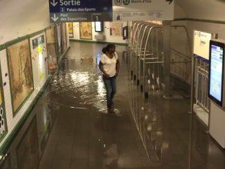 Station de métro innondé à Paris