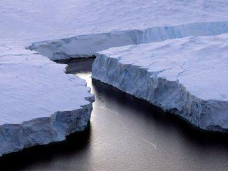 Le plus gros iceberg jamais observé se détache de l'Antactique