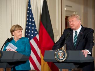 La chancelière allemande, Angela Merkel et le president américain, Donald Trump, lors de leur première rencontre officielle à la Maison Blanche