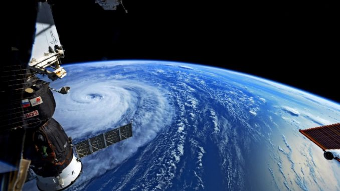 Typhon sur le sud du Japon, avions et trains bloqués