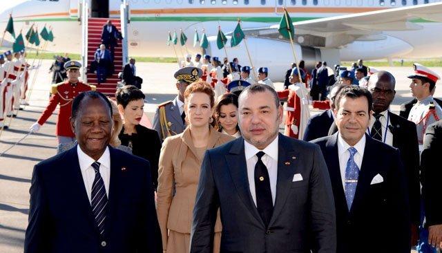 Le Roi Mohammed VI s'entretient avec le président ivoirien Ouattara