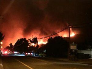 Spectaculaire incendie en Californie du Sud