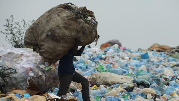 Le gouvernement du Comté de Nairobi procédera à la distribution de conteneurs, qui seront gérés et surveillés par des jeunes, pour la collecte des déchets au niveau des quartiers de la capitale Nairobi.