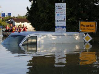 Etude : Le réchauffement climatique inquiète les chercheurs qui prévoient des risques d'inondations accrus en Europe