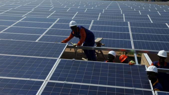 Le Burkina Faso se dote de la centrale solaire hybride la plus grande au monde