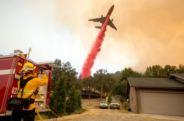 Incendies en Californie : les pompiers progressent, mais les conditions restent défavorables
