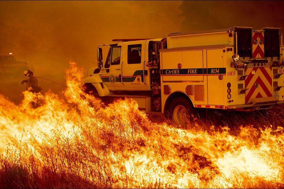 Dixième victime dans les incendies — Californie