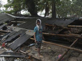 Le bilan du tsunami en Indonésie monte à 222 morts